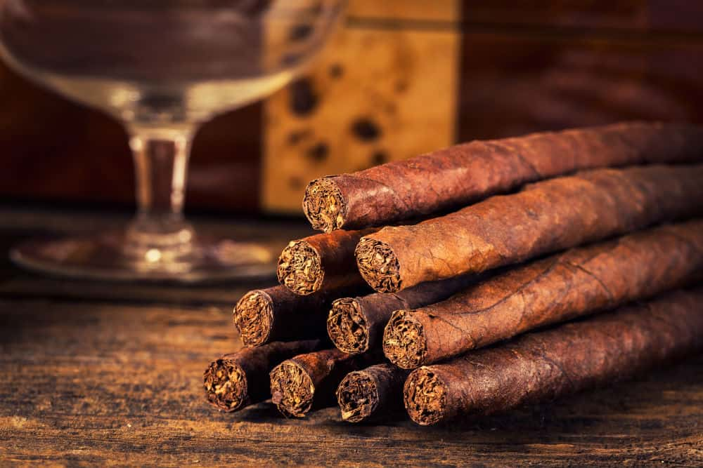 How can cigars be stored without a humidor?