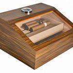 light brown wooden cigar box
